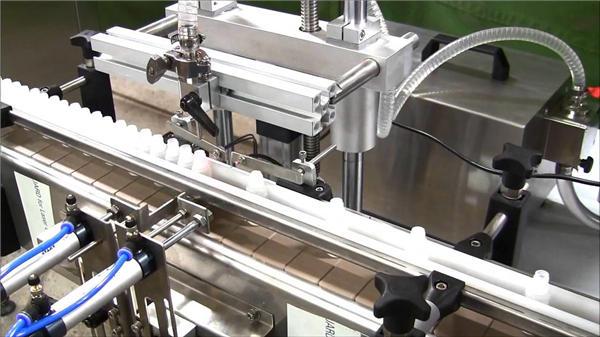 Avtomatski stroj za polnjenje steklenic z visoko hitrostjo