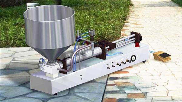 Polavtomatski stroj za polnjenje tekočega detergenta